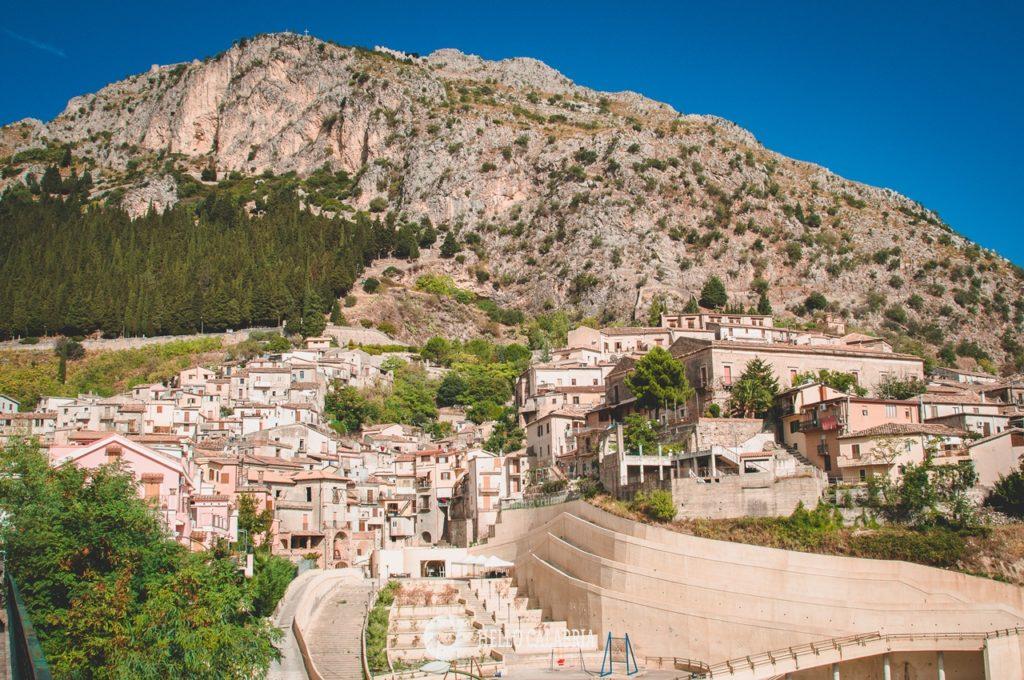 Widok na Monte Consolino w Stilo